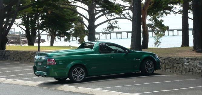 En Australie les pick-up s'appellent « UTE »…méfiez vous ils existent aussi avec 400cv sous le capot.